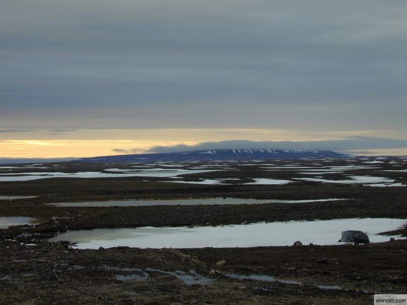 Uvajuq (Mount Pelly)